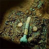 """Siêu cấp bảo vật quốc gia màu ngọc lam 3700 tuổi tiết lộ bí ẩn người xưa thực sự có """"nuôi rồng"""""""
