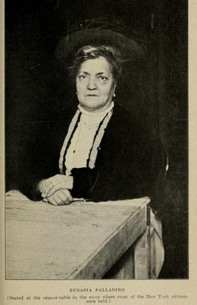 Eusapia Palladino.