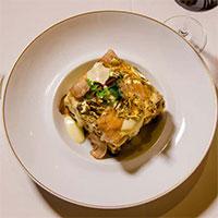 Vì sao đầu bếp thích cho vàng vào món ăn?