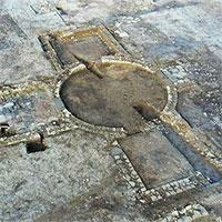 """Xây nhà, lọt vào """"mê cung"""" 1.900 tuổi là kho báu có 1 không 2 trên thế giới"""