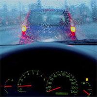 Mẹo lái xe an toàn khi gặp mưa giông sấm sét