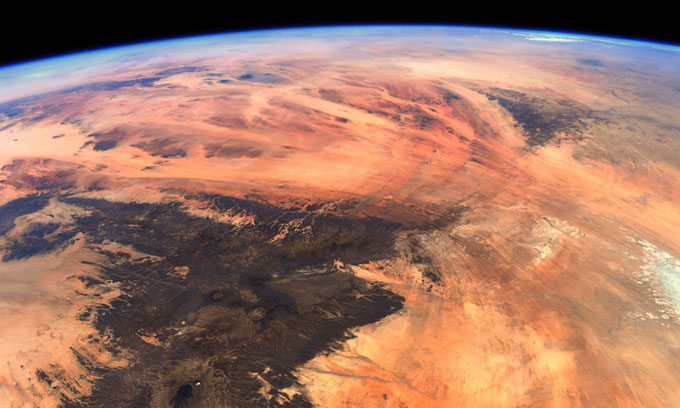 Photo of Earth from the International Space Station looks like Mars