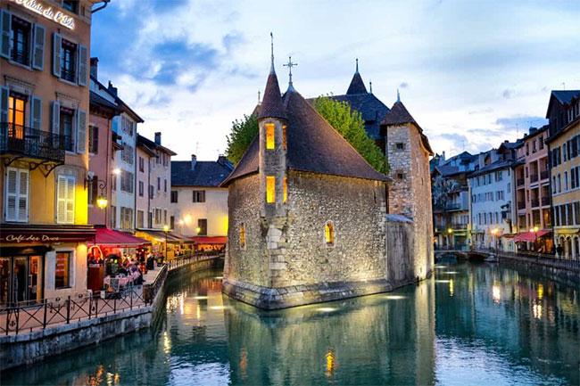 Thị trấn Annecy