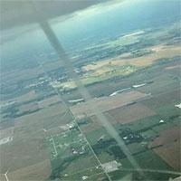 Video: Phi công Mỹ lái máy bay chạm trán với lốc xoáy giữa trời