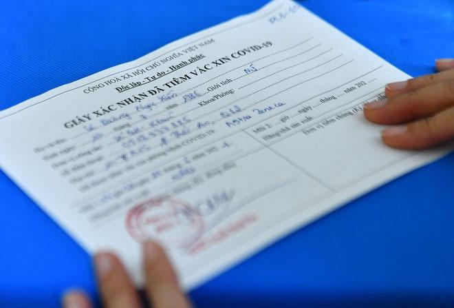 Người đã được tiêm vaccine Covid-19 sẽ được cấp giấy chứng nhận.