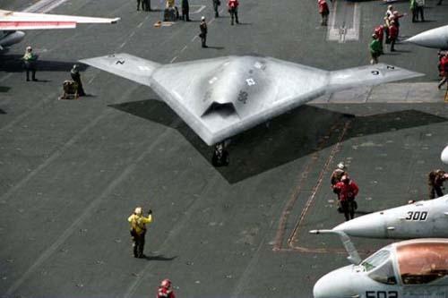 Rô bốt bay của Mỹ sẵn sàng cất cánh